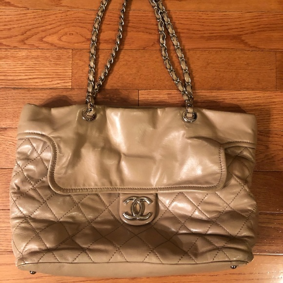 CHANEL Handbags - Chanel Tan Tote 👜